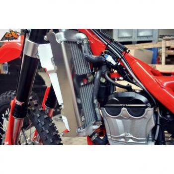 Protection de radiateur AXP alu rouge Beta RR350